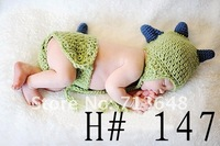 Free shipping cute dinosaur baby hat and shorts handmade crochet photography props baby hat and shorts