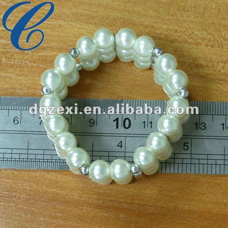 fake pearl elastic bracelet.jpg