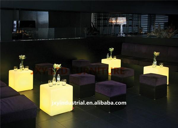 Пластиковый стул JXY 30 RGB , 30cm cube led chair stool