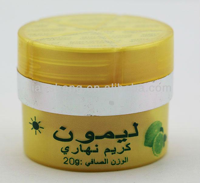 La crème pour la personne de la pigmentation