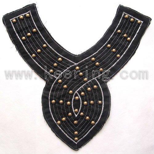 Necklin noir de tissu, perles encolure, motifs wnl-712 de broderie