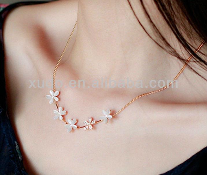 2014 trendy handmade girls light weight gold necklace