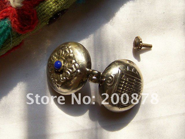 TGB129  Tibetan silver small Prayer box,22mm,dorje and KALACHAKRA GAU amulet,Tibetan handcrafted pendants