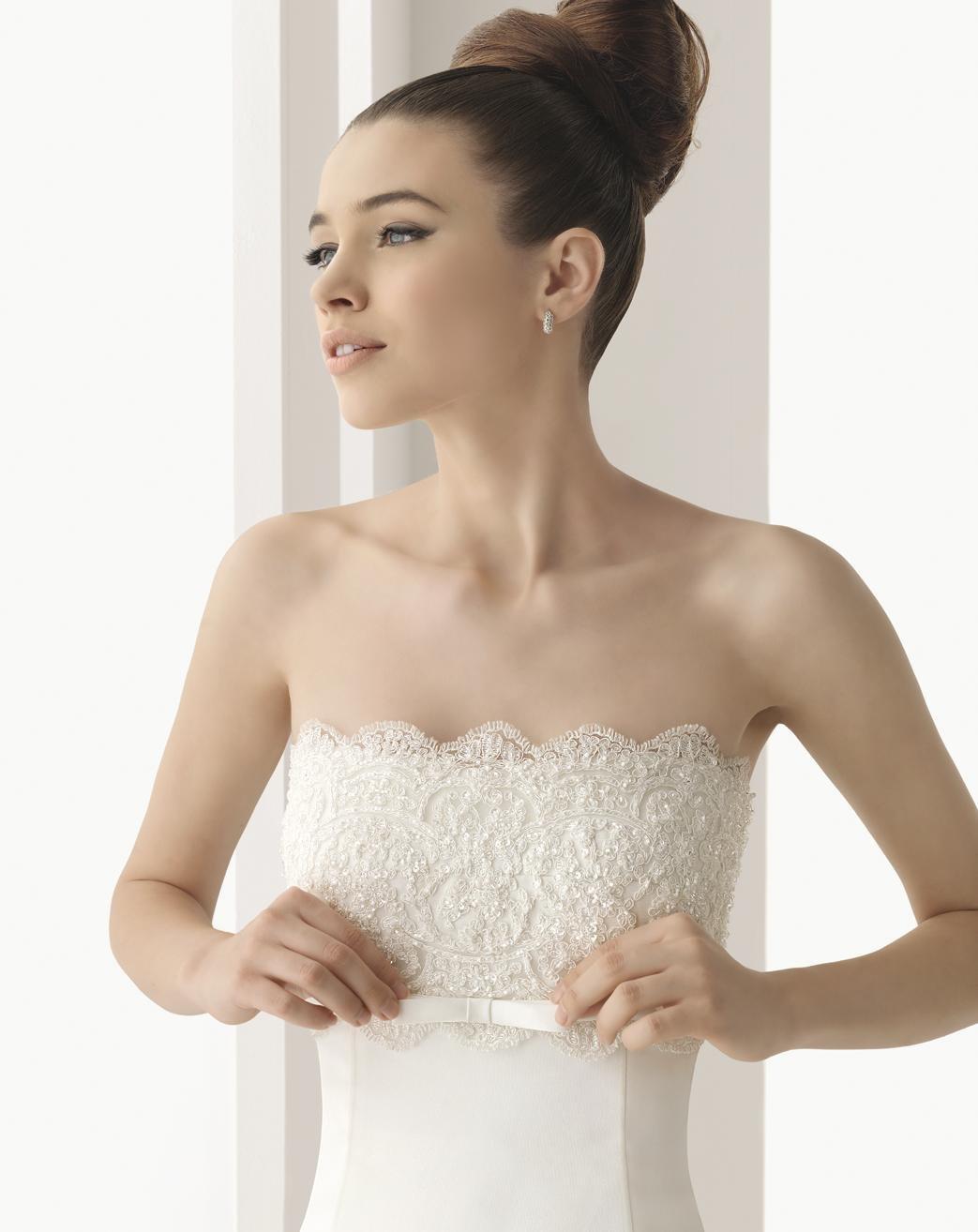 Hochzeits-Kleid mit Spitze