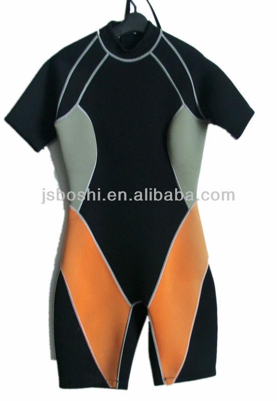 Neoprene surfing wetsuit