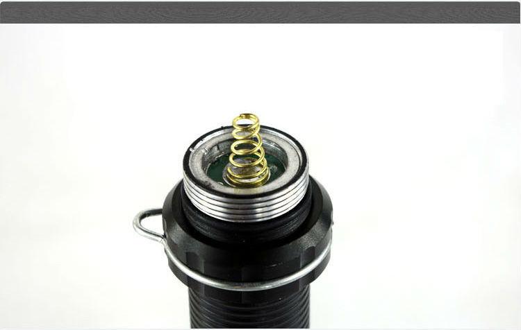 Đèn pin tự vệ siêu sáng (đen)