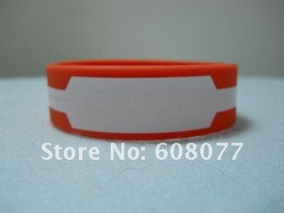green red bracelet 7.jpg