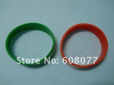 green red bracelet 4.jpg