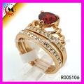 una buena noticia el precio de fábrica al por mayor de piedras preciosas anillo de oro de los diseños para las niñas