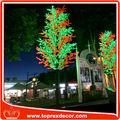 árboles de madera roja falsos