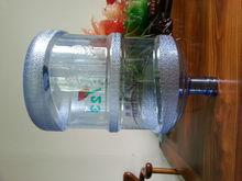 Botella de plástico de 5 galones
