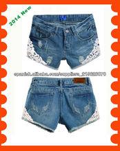 2014 nuevas de la llegada mujeres de mezclilla pantalones vaqueros cortos con encaje en la parte inferior