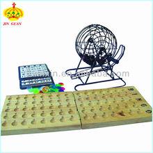 Juegos de azar juego de bingo conjunto para el tiempo de ocio con junta de bingo, piezas de bingo, tarjetas y la jaula