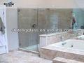 salle de douche en verre trempé de couleur différente