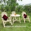 de troncos de madera al aire libre sillas y mesas