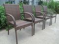 silla de mimbre al aire libre
