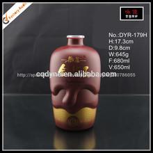 spray deimpresión de corcho superior customed 650ml botellas de vidrio para bebidas alcohólicas