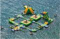 Parque acuático flotante para adultos y niños diversión