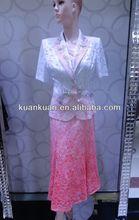 la mujer elegante traje de falda