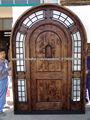 sólida puerta de madera exterior