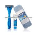tres cuchillas desechables de afeitar de afeitar