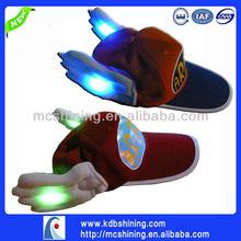 hermosa luz llevada hasta sombrero para adultos
