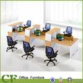 Estación de trabajo con estilo con panel de vidrio por encima de escritorio,
