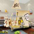 suite de los tigres de la composición de los animales de dibujos animados de la lámpara de mesa