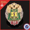 piedras preciosas de la moda insignia militar