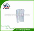 El uso del hogar cocina toallas de papel en rollo, de hecho 100% virgn pulpa, el logotipo personalizado