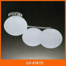 Chapeamento niquelar base de aço e vidro leitoso branco em forma de esfera lâmpada do teto co-81872