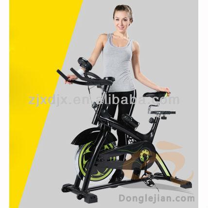 bicicleta de fitness con el ce