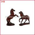 hecho a mano polyresin imitar a la madera figura a caballo
