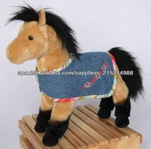 juguete de peluche caballo