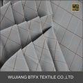 2014 Nueva comprobación de diseño 100% poliéster hilado camisa a cuadros teñidos de gris o de la tela del paraguas
