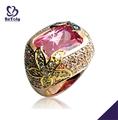 la flor tallada piedra de color rosa anillo de oro de bisuteria china al por mayor