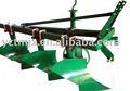 máquina agrícola surco arado