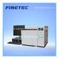 Cromatógrafo de gases con inyector automático