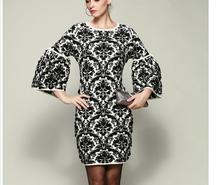 Mujer de moda vestido de suéter