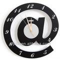 Double sides horloge murale simple décoratifs. pièces de montres