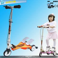 Nuevos fuerte barra en T 3 ruedas scooters pedal para los cabritos baratos