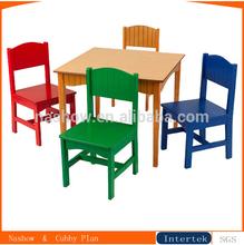 los niños mini madera mesa y una silla