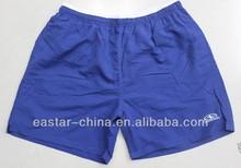 Stock baratos hombres 100% poliéster microfibra colorido pantalones cortos
