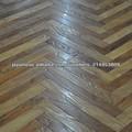 ヘリンボーンの寄木張りの床( オーク)