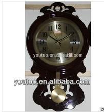 Criativas de plástico relógio de parede / decoração de motosserra relógio de parede / parede, relógios por atacado
