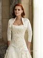 blanco vestido de novia de manga larga bordada