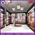 Luz showroom boutique de Comercial pared de madera de montaje en estante de zapatos muestran