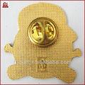 la costumbre de oro pin badge