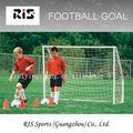el objetivo de fútbol para niños pequeños