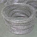 Galvanizado alambre de púas(iso9001, fabricante, de alta calidad y bajo precio)
